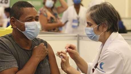 Um dos objetivos da CPI da Covid é investigar responsabilidade na lentidão da vacinação