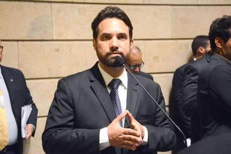 Presidente da Câmara do Rio aceita abertura do processo de cassação de Jairinho