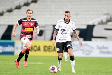 Luan em ação diante do Ituano, quando foi titular do Corinthians de Mancini (Foto: Rodrigo Coca/Ag. Corinthians)