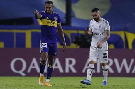 Santos perdeu por 2 a 0 para o Boca Juniors nesta terça-feira (Foto: Juan Ignacio RONCORONI / POOL / AFP)