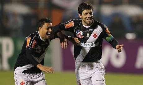 Juninho marcou um gol de falta no primeiro jogo após o retorno ao Cruz-Maltino (Divulgação/Vasco)