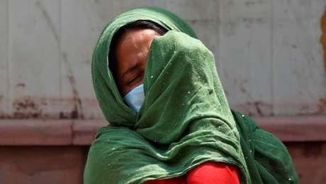 Tristeza e frustração: casos diários de coronavírus na Índia atingem novos recordes mundiais e número de mortos se aproxima de 200 mil