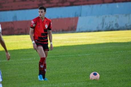 Jogador em boa fase tem somente 22 anos de idade (Bruno Corsino/Atlético-GO)