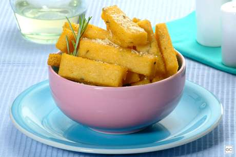 Guia da Cozinha - Polenta frita com alecrim: petisco fácil e delicioso