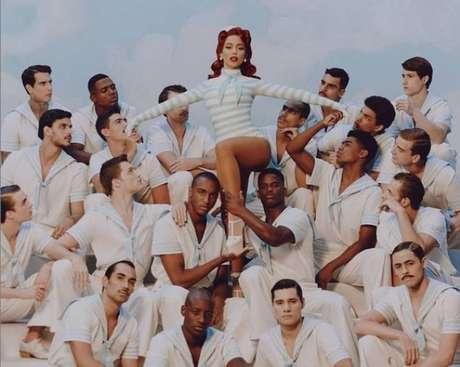 Clipe da canção traz partes nobres e populares do Rio de Janeiro