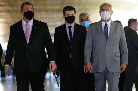 Senadores Omar Aziz, Randolfe Rodrigues e Renan Calheiros, presidente, vice e relator da CPI da Covid, no Senado 27/04/2021 REUTERS/Adriano Machado