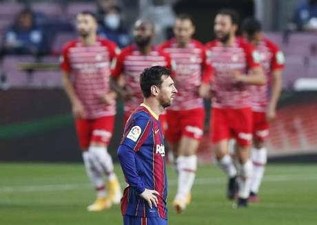Barcelona perde em casa para Granada e deixa de assumir a liderança do Espanhol