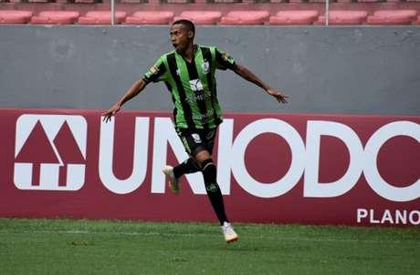 Palmeiras negociava a contratação do atacante Ademir (Foto: Daniel Hott / América-MG)