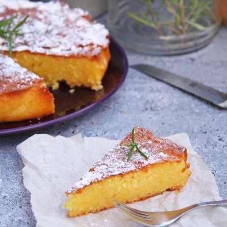 Aprenda como fazer receita de bolo de fubá cremoso.