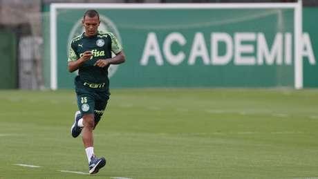 Gabriel Veron durante treinamento, na Academia de Futebol (Foto: Cesar Greco/Palmeiras)
