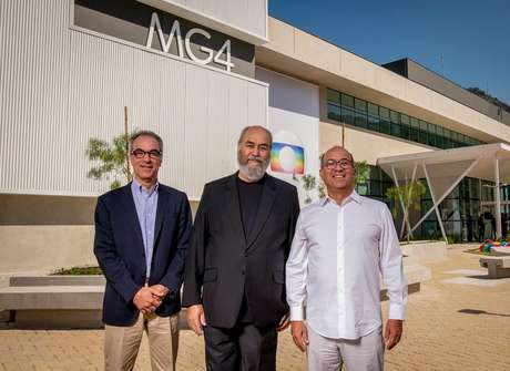 O novo presidente do Conselho de Administração do Grupo Globo, João Roberto Marinho (à esquerda), Roberto Irineu (ao centro) e José Roberto (à direita): os líderes do clã Marinho têm cada um fortuna de 1,8 bilhão de dólares, cerca de R$ 9,6 bilhões, de acordo com a revista 'Forbes'