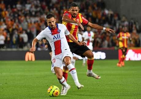 No primeiro turno, Lens venceu o PSG por 1 a 0 (Foto: DENIS CHARLET / AFP)