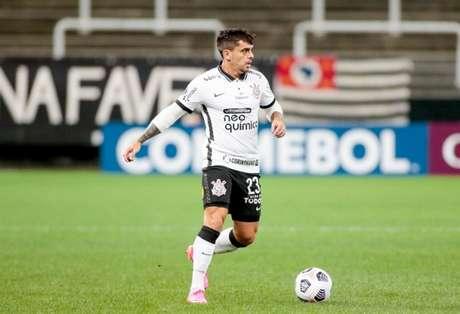 Fagner fez uma boa partida contra o Peñarol, mesmo saindo derrotado (Foto: Rodrigo Coca/Ag. Corinthians)