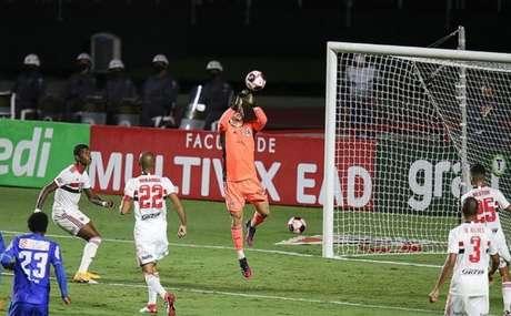 Sem sofrer gols há cinco jogos, setor defensivo do São Paulo vive grande fase (Foto: Paulo Pinto / saopaulofc.net)