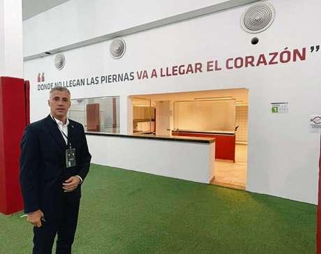 Crespo recebeu homenagem no vestiário do Morumbi (Foto: Felipe Espindola/São Paulo)