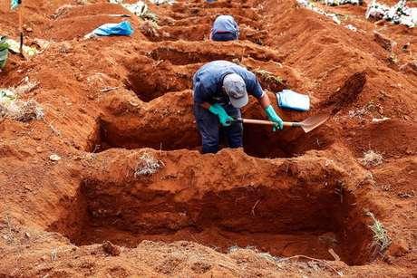 País ultrapassou marca de 428 mil mortes por complicações da covid-19