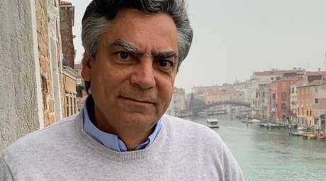 Diogo Mainardi vive com a mulher e dois filhos em Veneza, na Itália, de onde participa do 'Manhattan Connection' e comanda veículos jornalísticos on-line