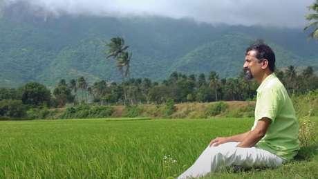 Sridhar desfruta da paz e do silêncio que a aldeia oferece