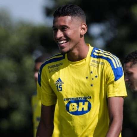 Adriano está em busca de sua primeira final como profissional coma camisa celeste-(Bruno Haddad/Cruzeiro)