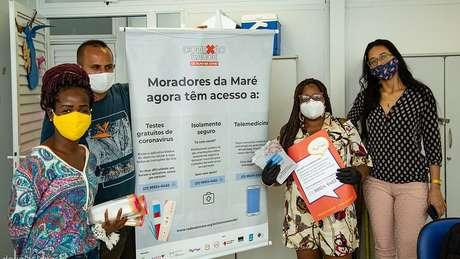 Projeto criado por moradores, Fiocruz e ONGs tem plano de isolamento 'sob medida' para moradores da favela da Maré, testagem em massa para covid e atendimento médico por telefone