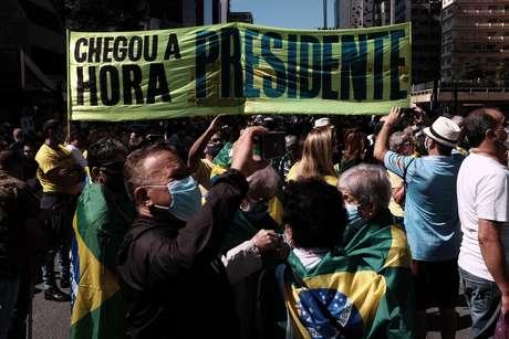 Manifestação na Avenida Paulista, em São Paulo, em favor do presidente Bolsonaro pede a intervenção militar