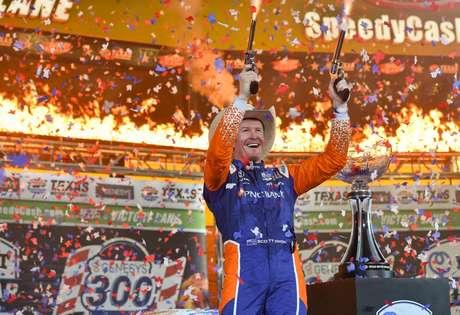Scott Dixon venceu o GP do Texas 1 e assumiu a liderança do campeonato