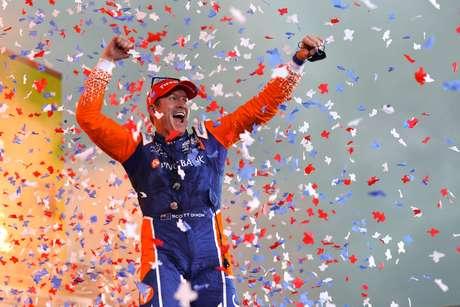 Dixon venceu o GP do Texas 1 e é pole no 2