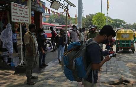 Muitos dos trabalhadores migrantes da Índia enfrentaram dificuldades consideráveis para voltar às suas aldeias natais