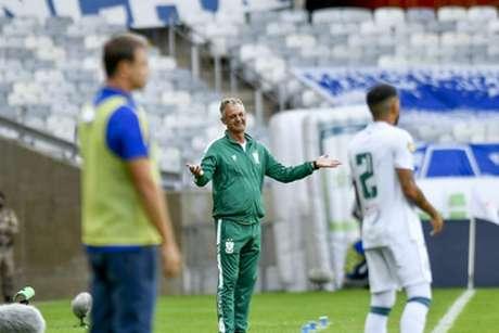 Lisca não entrou em campo, mas mexeu bem na sua equipe e ainda conseguiu desestabilizar o Cruzeiro-(Mourão Panda/Cruzeiro)