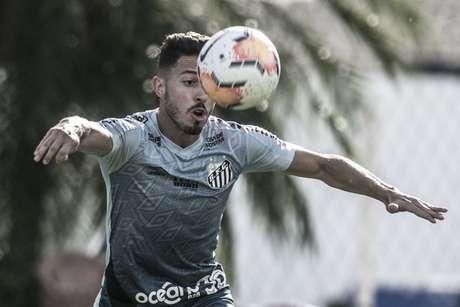 Jean Mota fez um golaço contra o Red Bull Bragantino, mas o VAR anulou (Foto: Ivan Storti/Santos FC)