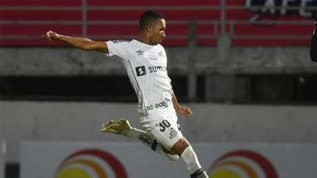 Lucas Braga fez o gol do Santos no empate contra o Red Bull Bragantino (Foto: Divulgação / Twitter Santos)