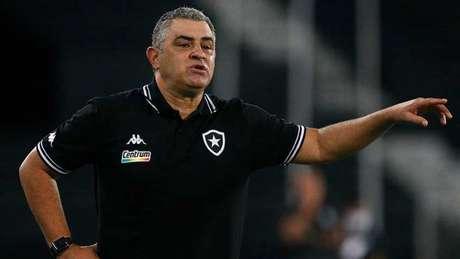 Chamusca ficou insatisfeito com o desempenho da equipe (Foto: Vitor Silva/Botafogo)