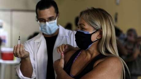 Sindicalista afirma que professores só voltarão às aulas presenciais quando estiverem seguros e vacinados