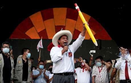 Candidato à Presidência do Peru Pedro Castillo durante comício em Lima REUTERS