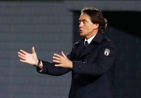 Técnico da Itália, Roberto Mancini, durante partida entre Itália e Lituânia pelas eliminatórias para a Copa do Mundo 31/03/2021 REUTERS/Ints Kalnins