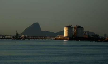Tanques de armazenagem gás natural no Rio REUTERS/Pilar Olivares