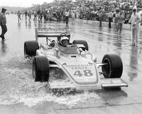 Bobby Unser venceu as 500 Milhas de Indianápolis três vezes, incluindo a chuvosa edição de 1975