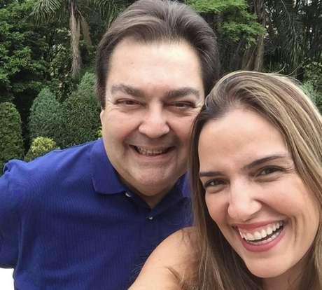 O apresentador Fausto Silva e a esposa Luciana Cardoso