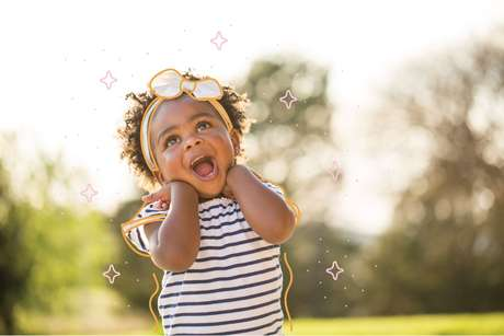 menina-pequena-feliz