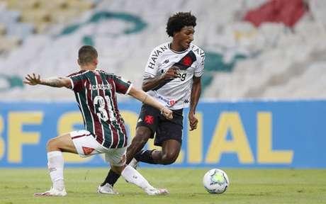 Jovem foi submetido a uma artroscopia para se recuperar de problema no joelho esquerdo (Foto: Rafael Ribeiro/Vasco)