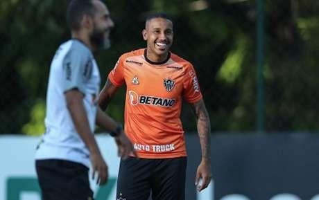 Jair voltou a ficar à disposição de Cuca, que ganha mais uma opção no meio de campo-(Pedro Souza/Atlético-MG)