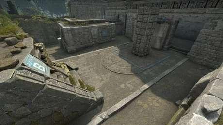 Ancient, em CS:GO, tem planaltos e túneis de pedra