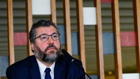 'Ernesto Araújo era um militante dessa seita mais lunática que nós temos, que são os seguidores do Olavo de Carvalho. Isso, felizmente, acabou', diz Ricupero