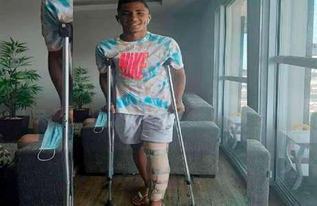 Felipe Laurindo passará por uma cirurgia no joelho na próxima semana (Crédito: Reprodução)