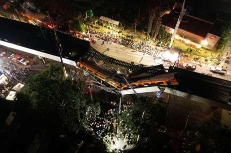 Vista dos danos causados por desabamento de viaduto do Metrô na Cidade do México 04/05/2021 INSTAGRAM @CSDRONES/via REUTERS