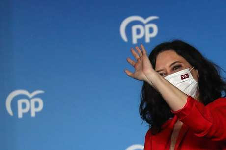 Isabel Díaz Ayuso celebra vitórial eleitoral  4/5/2021   REUTERS/Susana Vera
