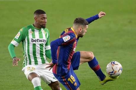 Emerson não deve seguir na Espanha na próxima temporada (Foto: CRISTINA QUICLER / AFP)
