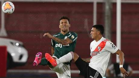 Marcos Rocha atuou mais defensivamente no duelo contra o River Plate (Foto: Cesar Greco/Palmeiras)