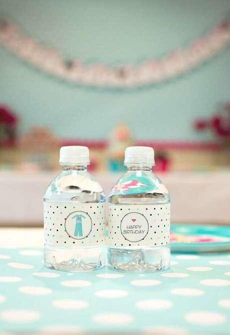 52. Garrafinha de água personalizada para festa do pijama – Foto: Pinterest