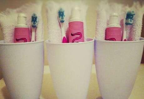 29. Kit com escova e pasta de dentes para as crianças que esquecerem de levar
